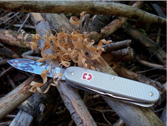 چاقوی سوئیسی